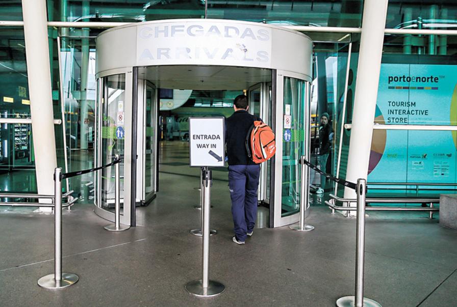 Imagem para Suspensão de voos de e para fora da UE prolongada até 17 de maio