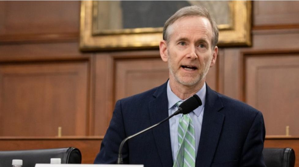 """Imagem para Vacina para o novo coronavírus é possível até o final do ano. """"Mas não apostava nisso"""", comenta especialista Tom Inglesby"""